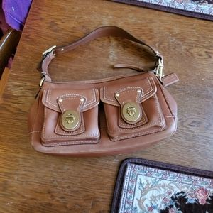 COACH LEGACY TURNLOCK POCKET LEATHER HOBO